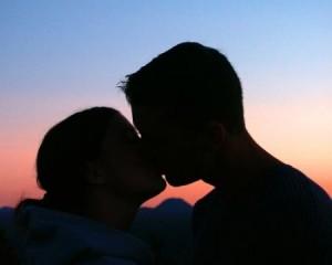 mononucleosi-e-bacio